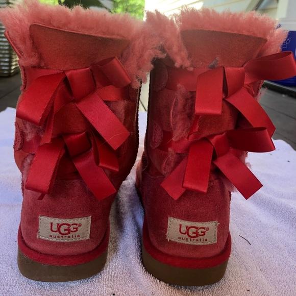 81a59da2922 Girls Ugg boots size 4